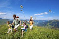 Апартхотел Лъки Банско СПА & Релакс | Семейна разходка в планината