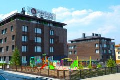 Апартхотел Лъки Банско СПА & Релакс | Детска площадка и фасада