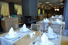 "Апартхотел Лъки Банско СПА & Релакс | Гледка в ресторант ""Ле Бистро"" (2)"