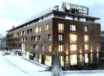 Апартхотел Лъки Банско СПА & Релакс | Зимата фасада на хотела