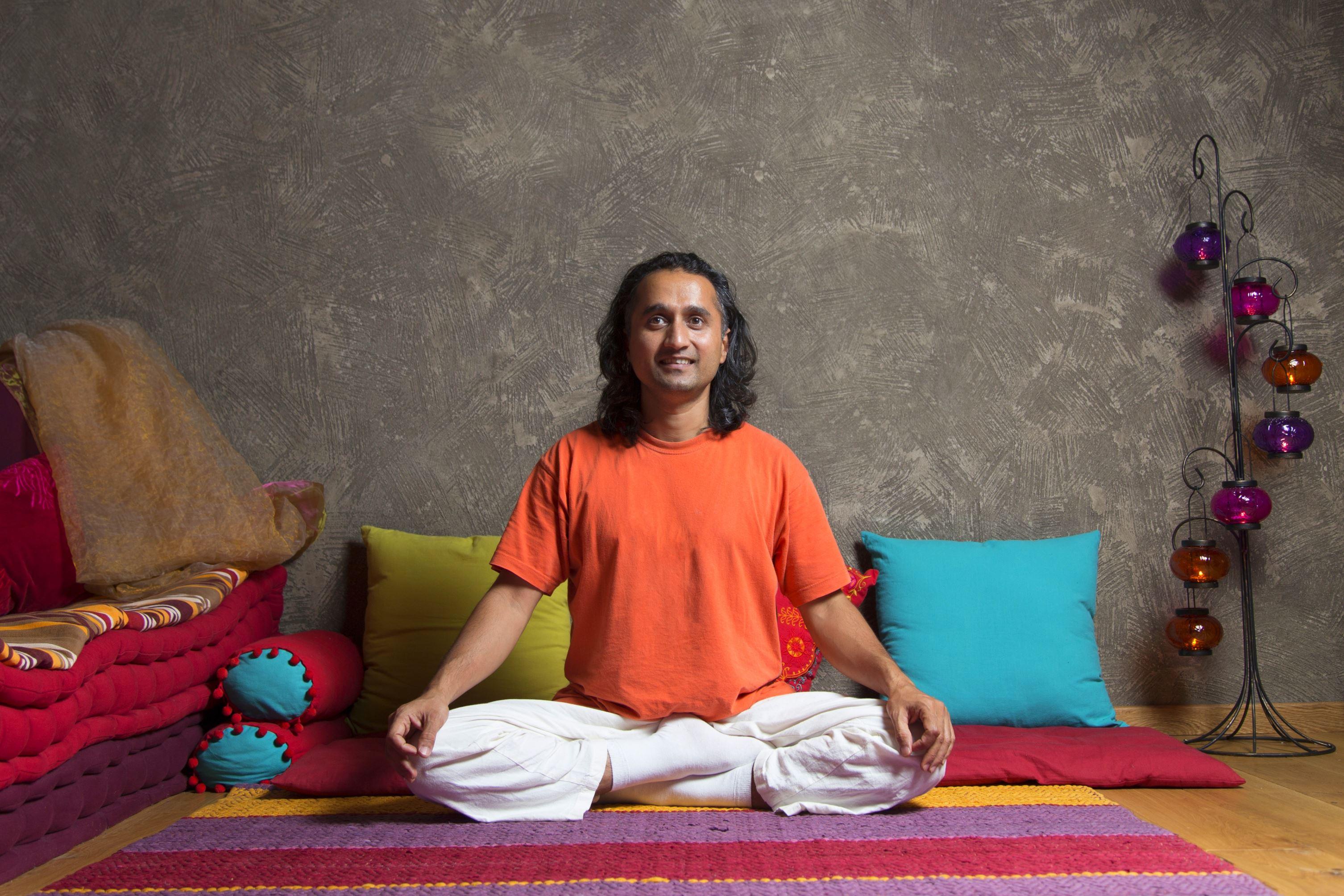 Yoga Prakash | Aparthotel Lucky Bansko