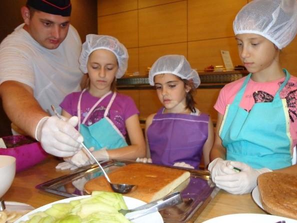 Кулинарные курсы для детей | Lucky Bansko
