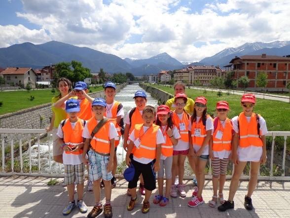Групова снимка на участниците в детския лагер | Lucky Bansko