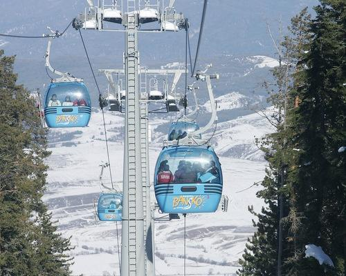 Ski lift in winter in Bansko | Lucky Bansko SPA & Relax