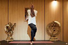 Йога поза орел | Lucky Bansko SPA & Relax