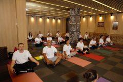 Йога курс с много участници