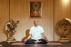 Йога инструктор Камал Кишор | Lucky Bansko
