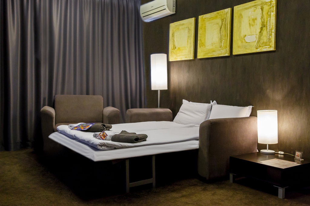 Νέοι καναπέδες σε ξενοδοχείο | Lucky Bansko