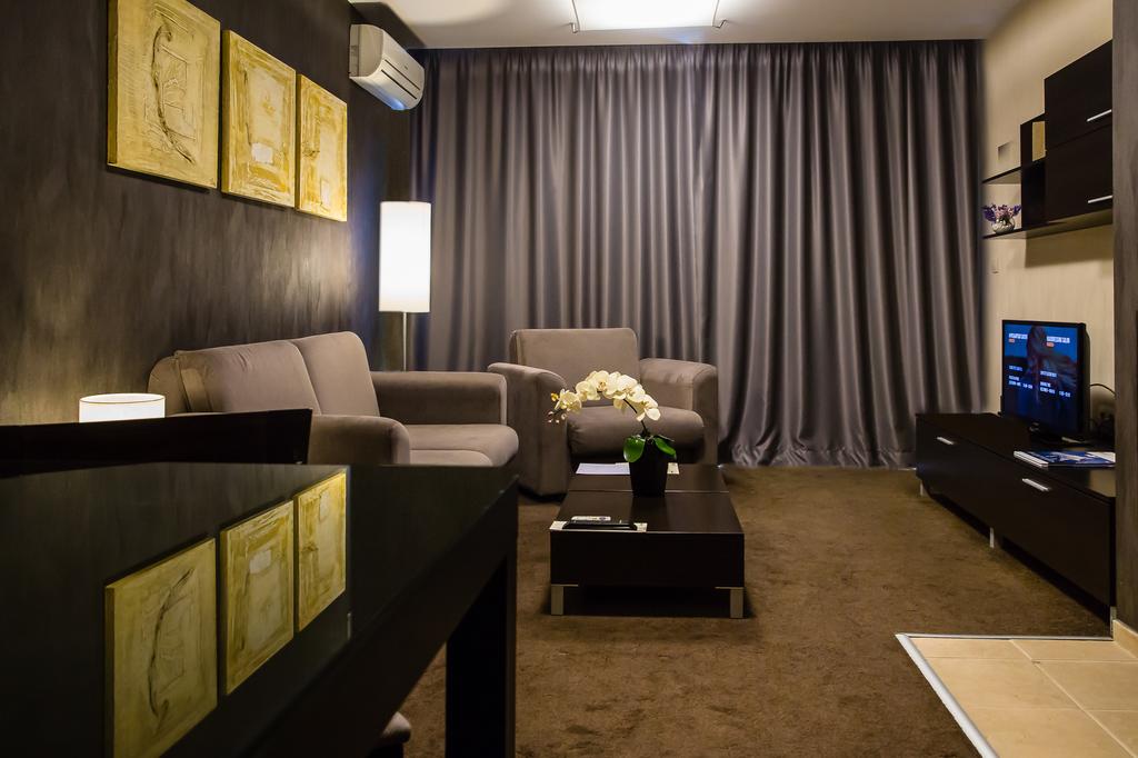 Νέες κουρτίνες σε ξενοδοχείο | Lucky Bansko