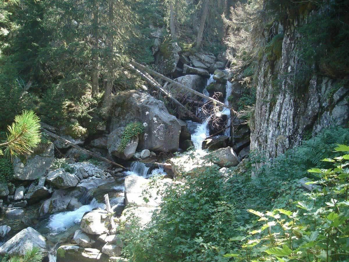 Cascada Demyanski sări | Lucky Bansko