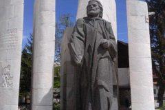 Паметник на Паисий в Банско
