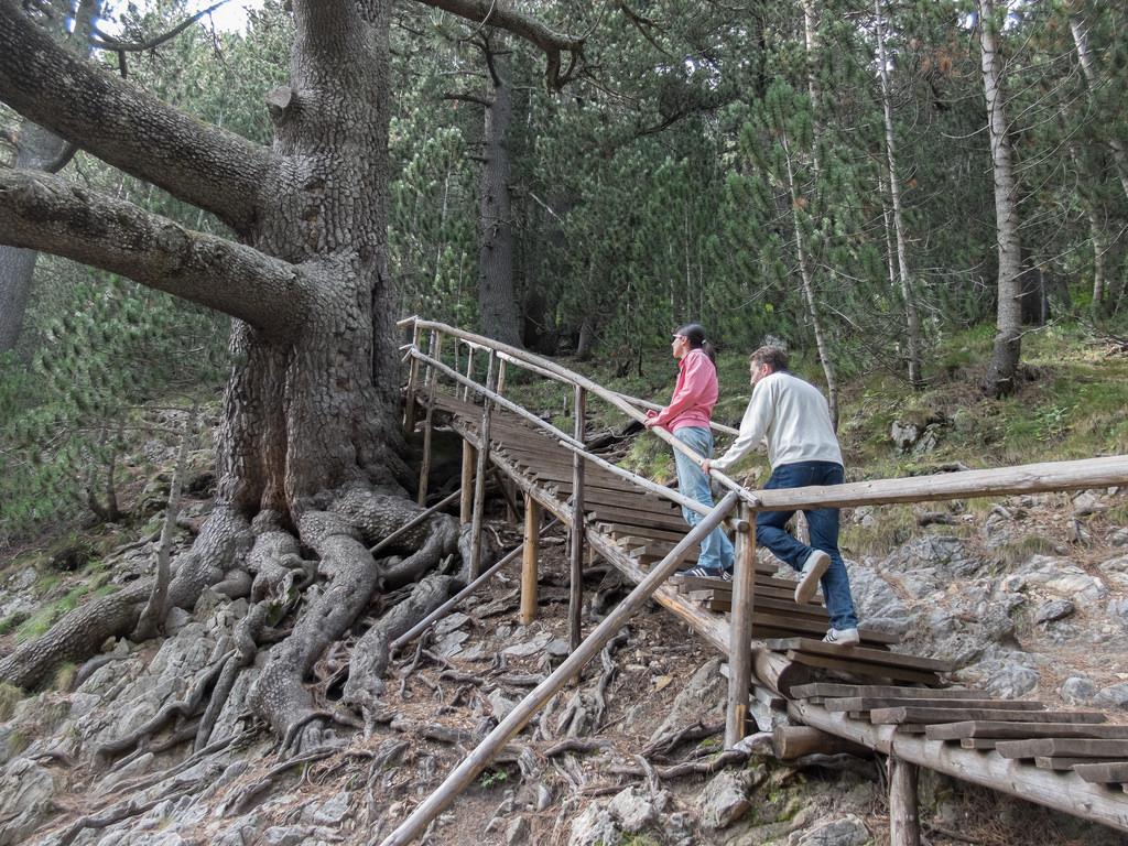 Turisti ispred bajkuševe munike | Lucky Bansko