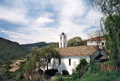 Biserica veche din satul Kovachevitsa
