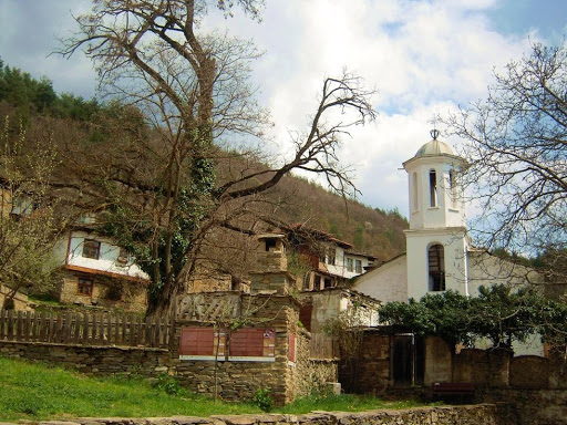 Church in the village of Leshten