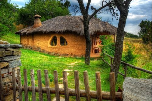 Красивый дом в деревне Лештен