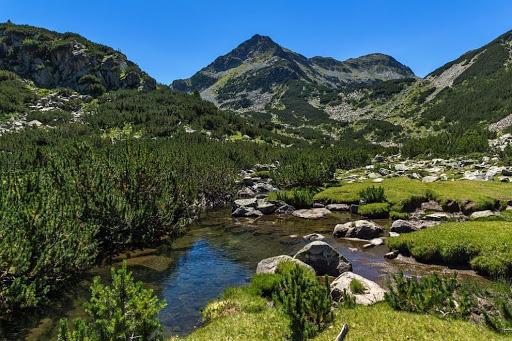 Vrhovi u planinama Pirin