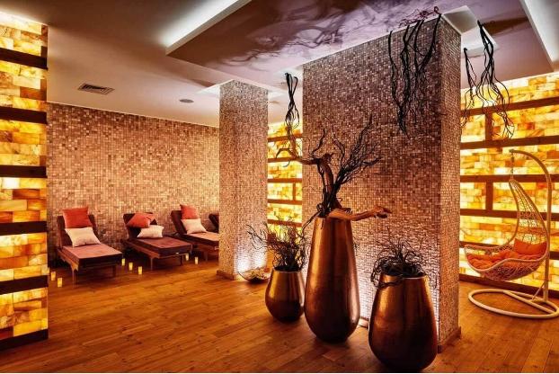 Посрещане на Новата 2021 година в хотел Лъки Банско